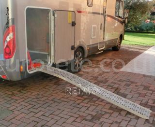 rampa-carry-moto-portamotos-garaje-autocaravana-automático-carga-moto-scooter-linneppe-camper-caravana-caravaning-1