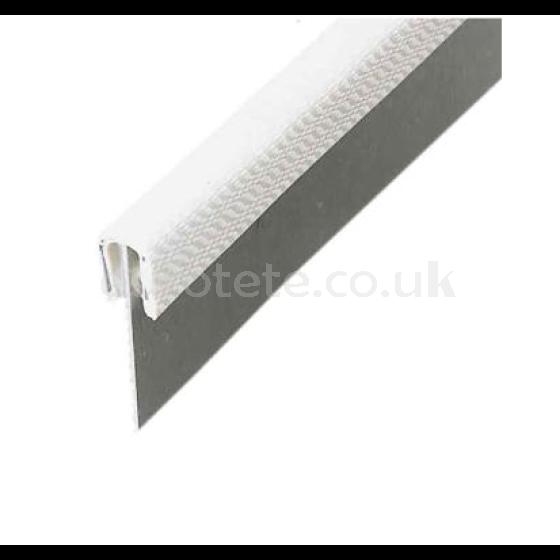 Perfil blanco de proteccion esquinero para camperizacion 1